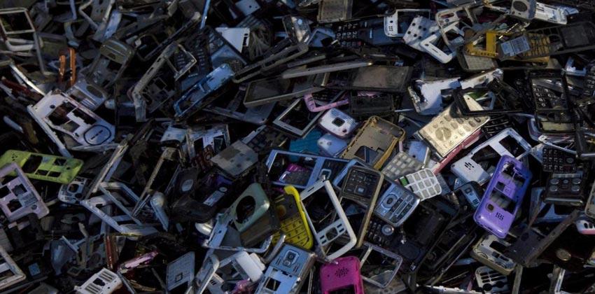 المخلفات الإلكترونية وإعادة تدويرها