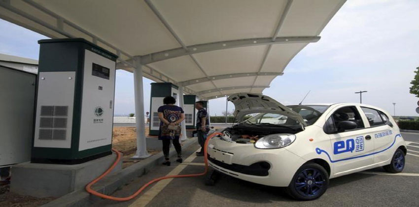 هل تهدد السيارات الكهربائية مستقبل النفط؟