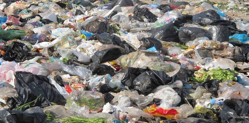 أضرار البلاستيك على البيئة