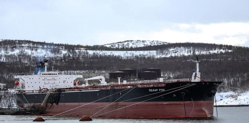 الولايات المتحدة مجبرة على استيراد النفط من روسيا