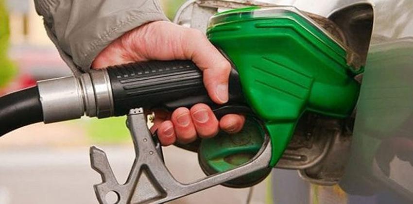 إيران تسجل مستوى قياسياً بتصدير البنزين