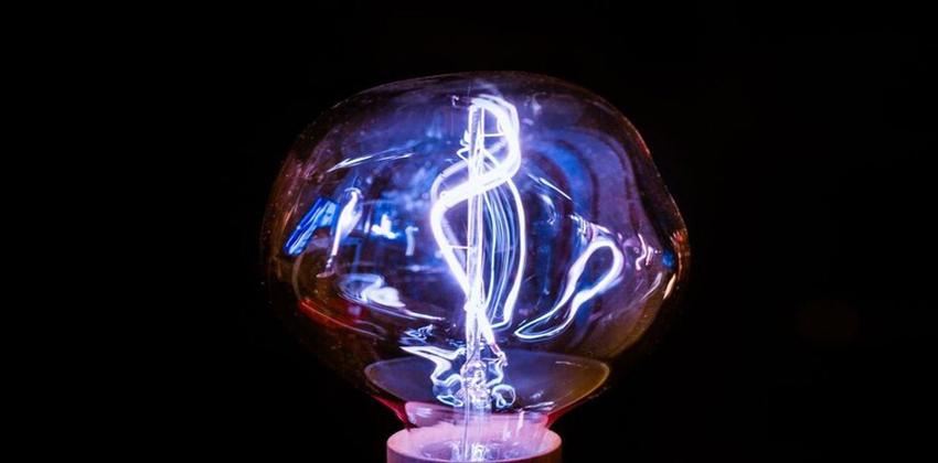 إنتاج الكهرباء من الهواء